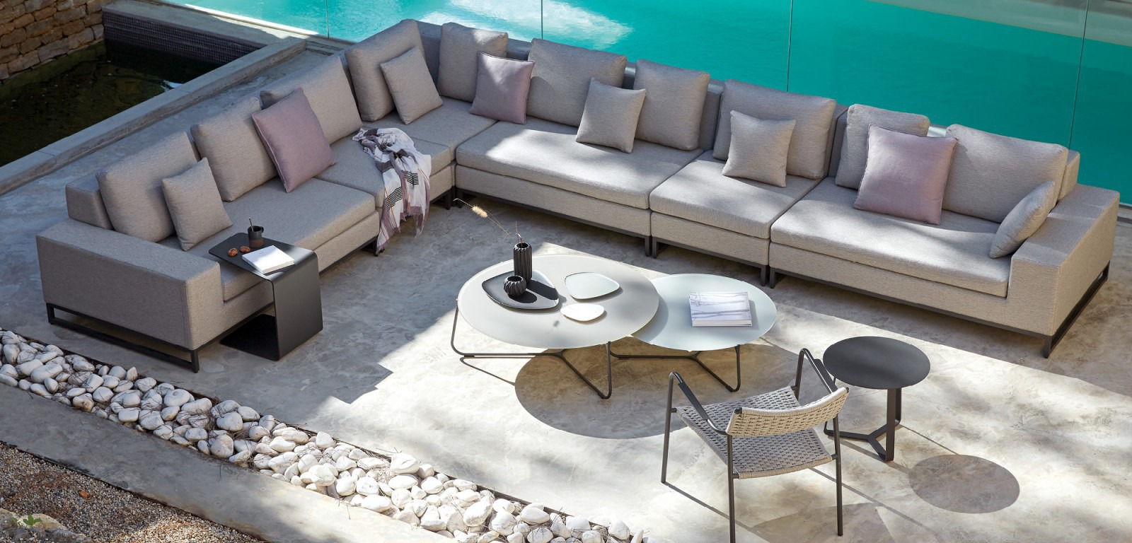 manutti delmi decor outdoor. Black Bedroom Furniture Sets. Home Design Ideas